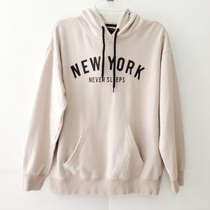New York Never Sleeps Hoodie M